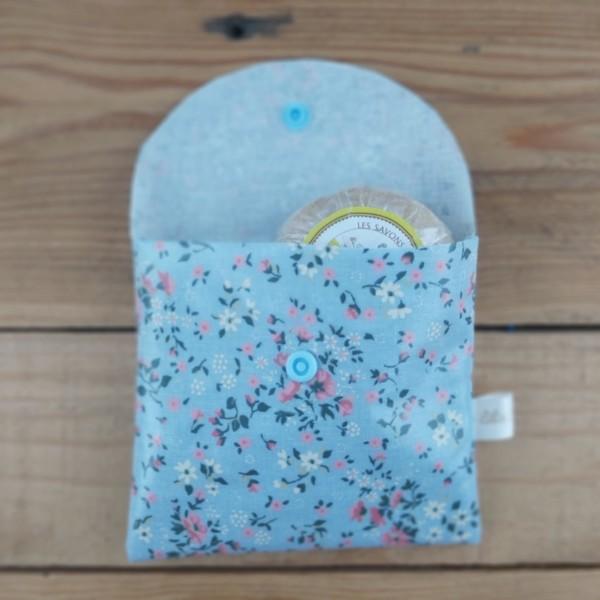 pochette à savon imperméable création artisanale lilie Cousette