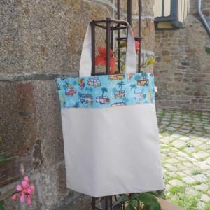 Tote Bag idéal pour la rentrée ou comme sac de bibliothèque, création artisanale en normandie dans la Baie du Mont St Michel