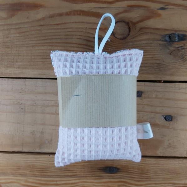 Eponge lavable zéro déchet création artisanale réalisée dans la Baie du Mont St Michel