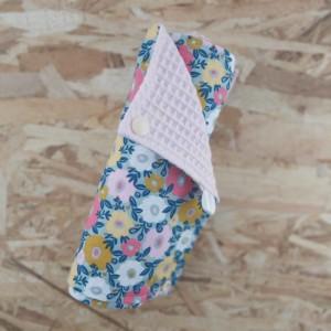 Rouleau d'essuie-tout lavable création artisanale zéro déchet confectionnée dans la Baie du Mont St Michel