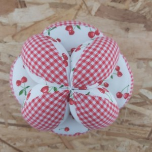 Balle de préhension d'inspiration Montessori, création artisanale dans la Baie du Mont St Michel